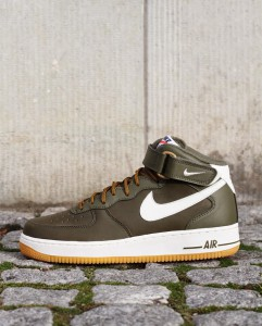 http://www.footish.se/sneakers/nike-air-force-1-mid-07-3