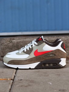 http://www.footish.se/sneakers/nike-air-max-90-essential--2