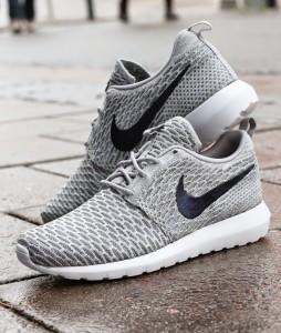 http://www.footish.se/sneakers/nike-flyknit-rosherun-