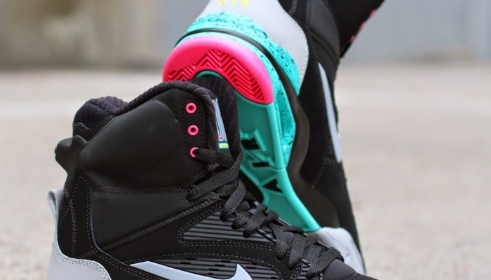 Nike-2BAir-2BCommand-2BForce-2BRetro-2B684715-001