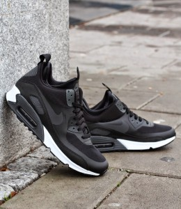 http://www.footish.se/sneakers/nike-air-max-90-sneakerboot-ns