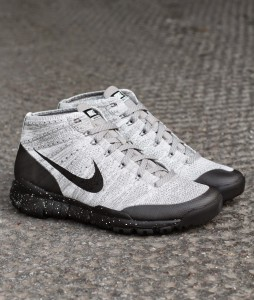 http://www.footish.se/sneakers/nike-flyknit-trainer-chukka-fsb-2