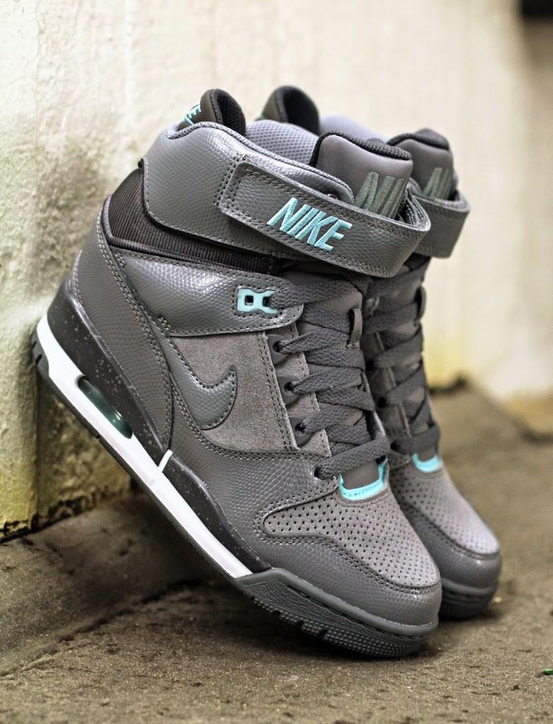 Nike-2BWmns-2BAir-2BRevolution-2BSky-2BHi-2B599410-011
