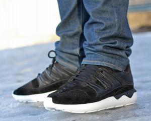 adidas_Originals_Tubular_93_B25863_2