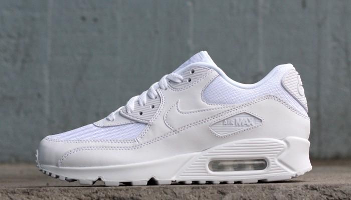 Nike_Air_Max_90_Essential_537384-111