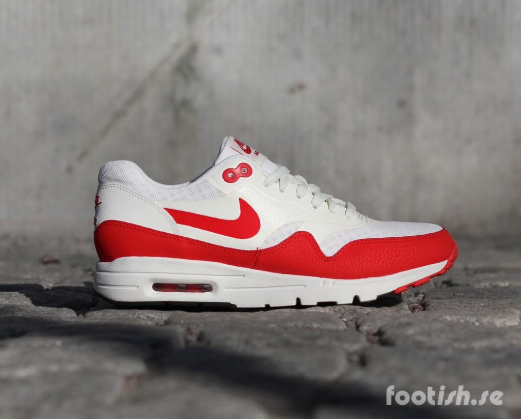 Nike_Wmns_Air_Max_1_Ultra_Essentials_704993-100