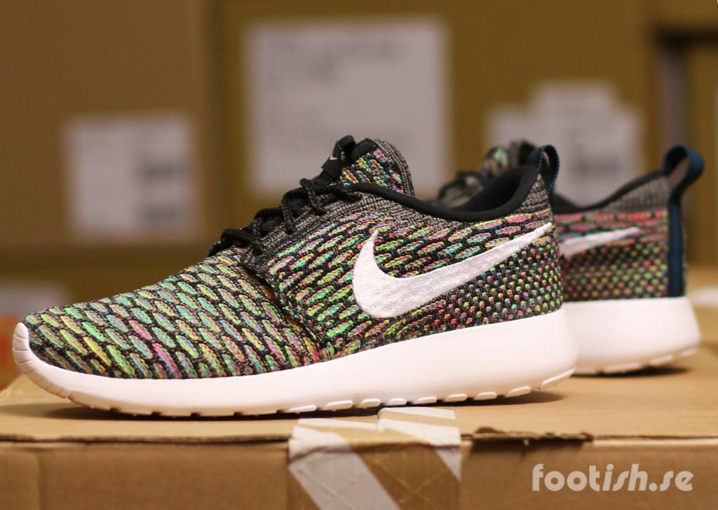 Nike_Wmns_Rosherun_Flyknit_704927-001