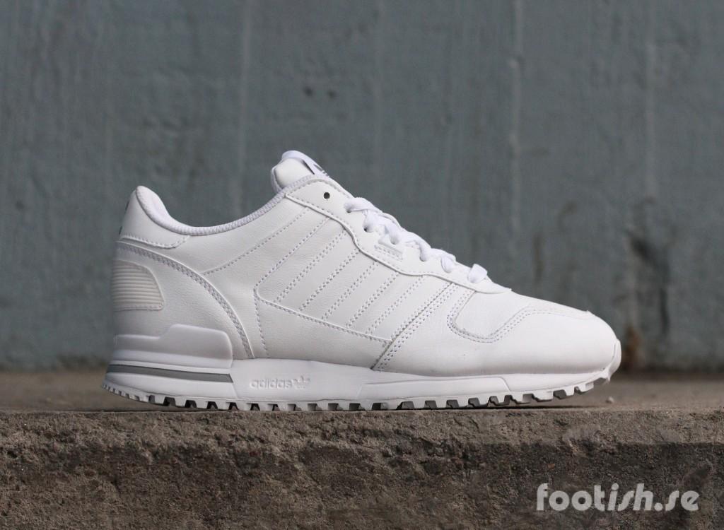 adidas_Originals_ZX_700_G62110