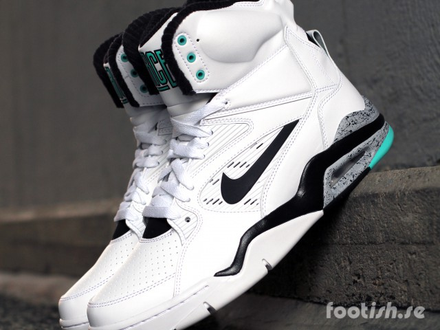 Nike-Air-Command-Force-Retro-684715-102-Hyper-Jade
