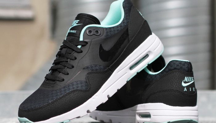 Nike-Wmns-Air-Max-1-Ultra-Essentials