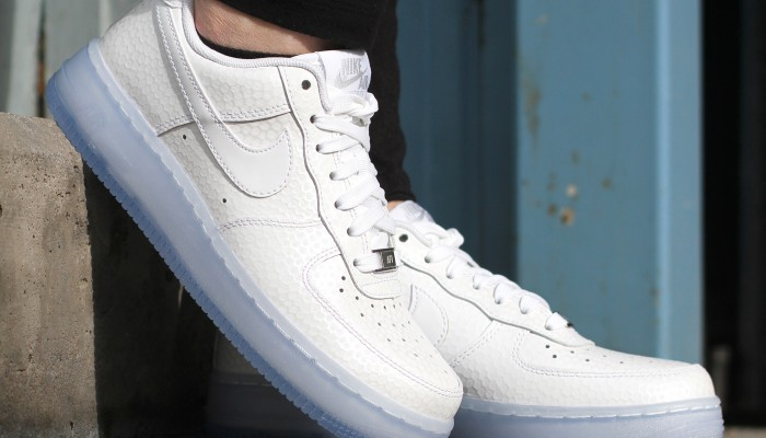 Nike-Wmns-Air-Force-1-616725-103