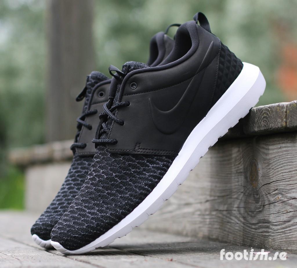 Nike-Roshe-Flyknit-Premium-746825-001