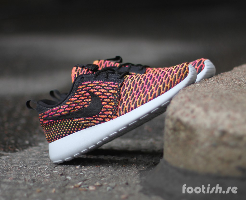 Nike-Wmns-Roshe-One-Flyknit