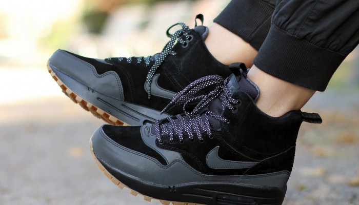 Nike-Wmns-Air-Max-1-Mid-Sneakerboot-685267-003