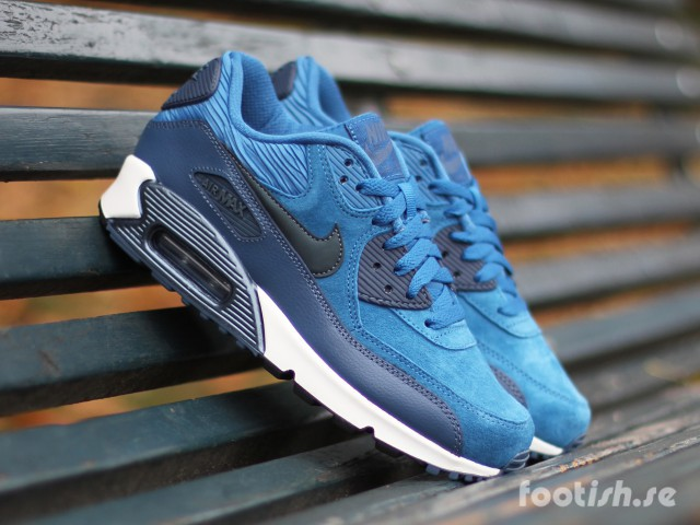 Nike WMNS Air Max 90 Leather Carbon Green | SneakerFiles