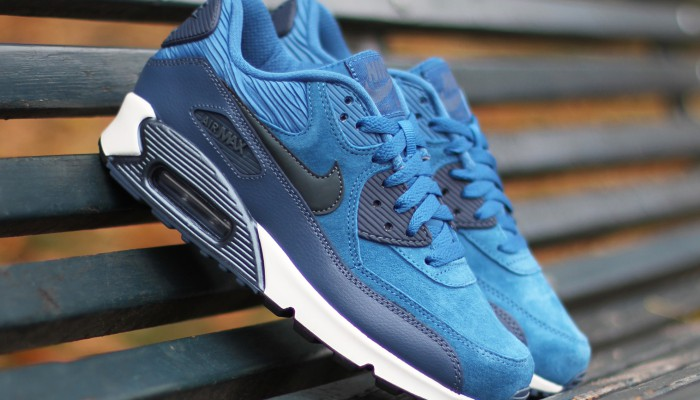 Nike-Wmns-Air-Max-90-Leather-2