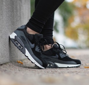 Nike-Wmns-Air-Max-90-Leather-3
