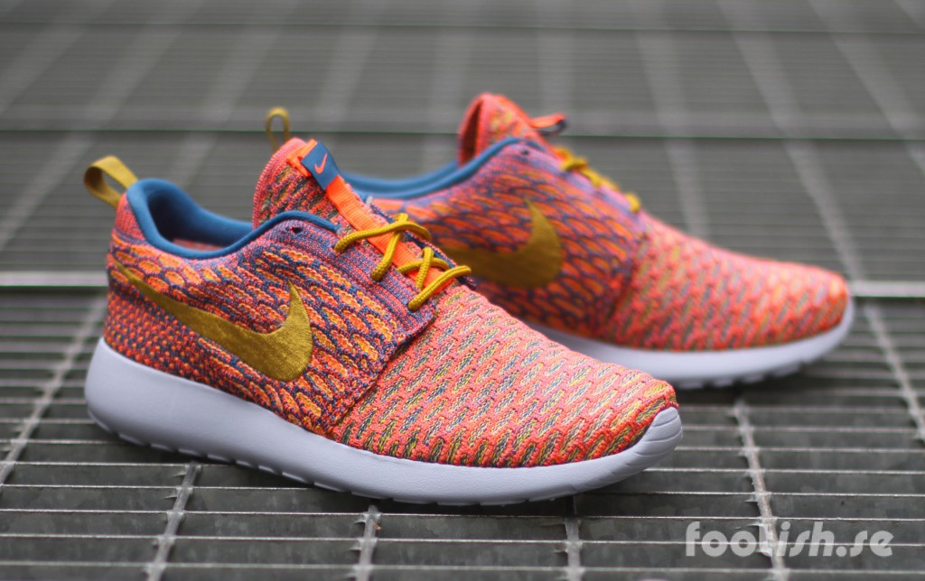 Nike-Wmns-Roshe-One-Flyknit-704927-402