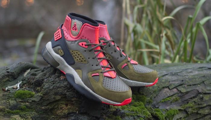 Nike-Air-Mowabb-OG-749492-303-1