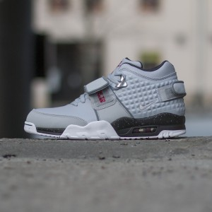 Nike-Air-Trainer-Victor-Cruz-777535-001-2