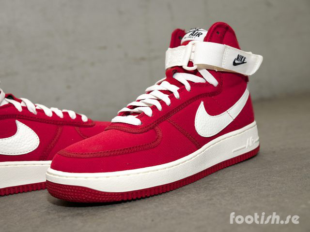 nike-air-force-1-side-832747-600