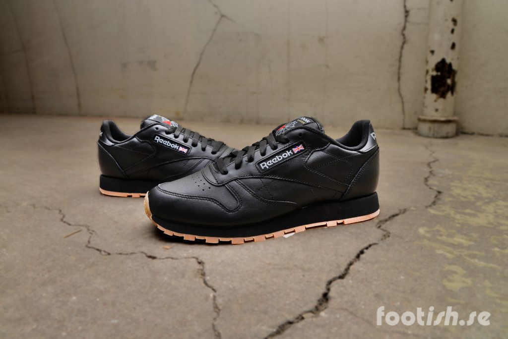 reebok_classic_leather_black