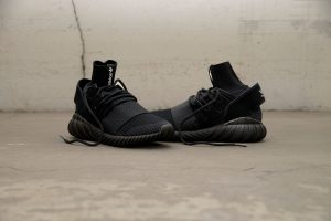 adidasd-tubular-doom-pk_black