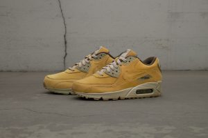 nike-wmns-air-max-90-winter_880302-700_hd